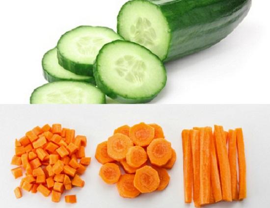 Món ăn lí tưởng cho các bé mọc răng gặm là những miếng táo, cà rốt hoặc dưa chuột,... cắt nhỏ. (Ảnh minh họa)